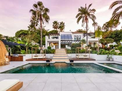 Villa con 352 m² de terraza en venta en Nueva Andalucía