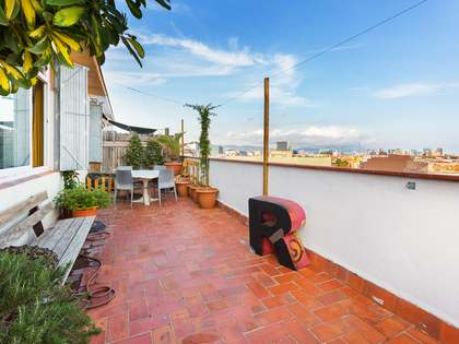 Loft divided into 2 apartments, for sale in Poble Nou