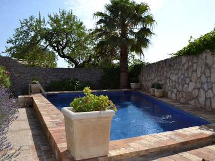 Country style property for sale just 5 minutes from Sitges