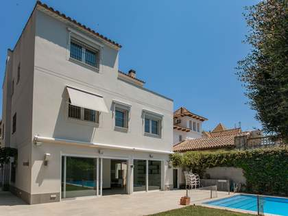 Villa de 431 m² en venta en Terramar, Barcelona