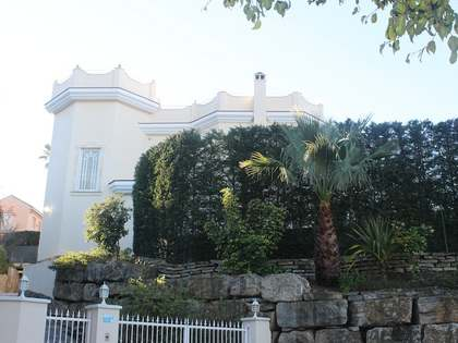 Preciosa villa moderna en venta en El Rosario, este de Marbella