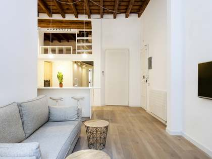 71m² apartment with 18m² terrace for sale in El Born
