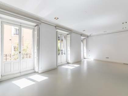 212 m² apartment for rent in Madrid city centre