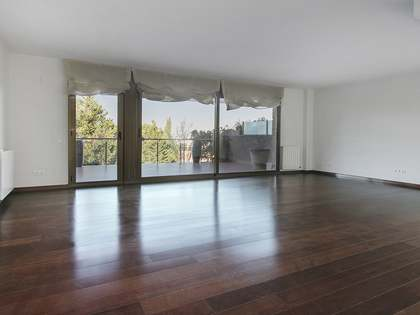 430 m² house with 30 m² terrace for rent in Sant Cugat