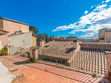 Huis / Villa van 352m² te koop in Barri Vell, Girona