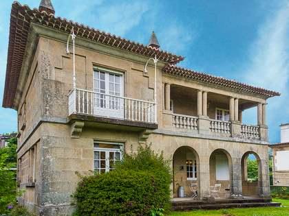 390m² House / Villa for sale in Vigo, Galicia