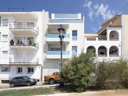 Квартира 162m², 32m² Сад на продажу в Ситжес