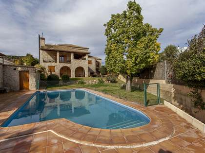 378m² House / Villa for sale in Paterna, Valencia