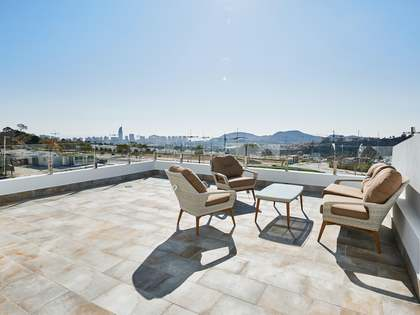 215m² Apartment with 33m² garden for sale in Playa San Juan