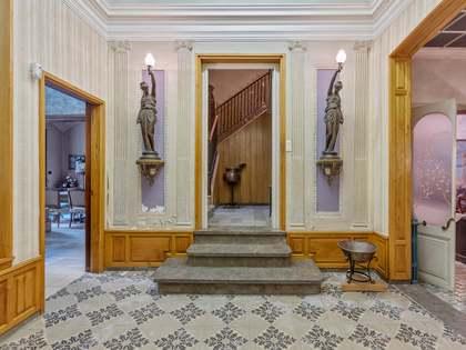 820m² Hus/Villa med 434m² Trädgård till salu i Pla de l'Estany