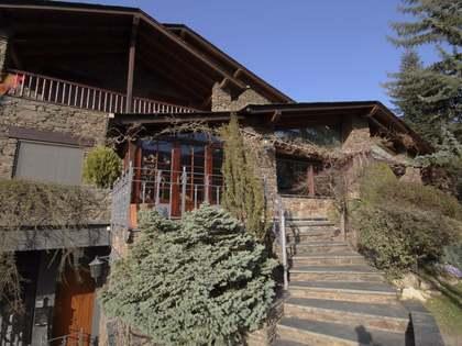 Maison / Villa de 900m² a louer à Escaldes, Andorre
