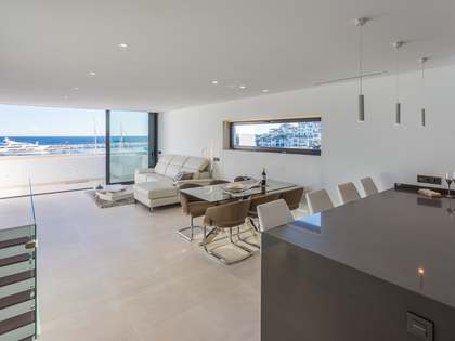 143m² Penthouse with 9m² terrace for sale in Puerto Banús
