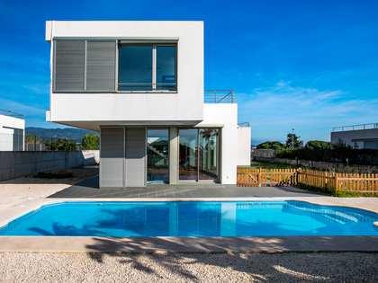 Дом / Вилла 357m² на продажу в Аренис де Мар, Маресме