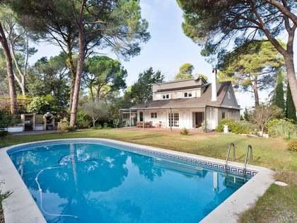 358m² Hus/Villa till salu i Sant Cugat, Barcelona