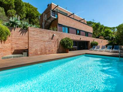 395m² House / Villa for sale in Premià de Dalt, Maresme