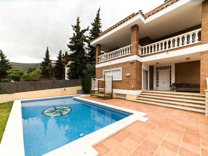 443m² House / Villa for rent in Montemar, Barcelona