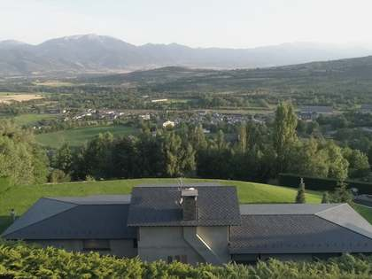 600m² Country house for sale in La Cerdanya, Spain