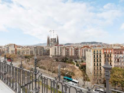 87m² apartment with 50m² terrace for sale in Eixample Right