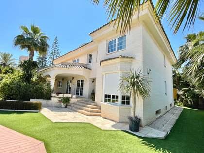 Casa / Villa di 711m² con giardino di 500m² in vendita a Playa San Juan