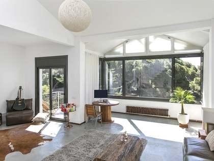 Casa de 200m² con 150m² de jardín en alquiler en Sarrià