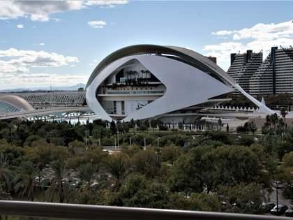 90m² Apartment with 9m² terrace for rent in Ciudad de las Ciencias