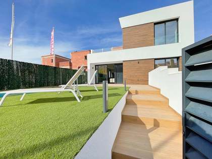 106m² House / Villa with 25m² terrace for sale in El Campello