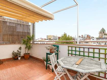 42m² Penthouse with 42m² terrace for sale in Gràcia