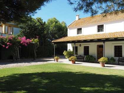 500m² House / Villa for sale in Cádiz / Jerez, Spain