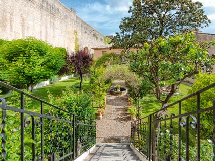 220 m² apartment for sale in Girona