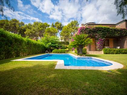 440 m² villa for rent in Castelldefels, Barcelona
