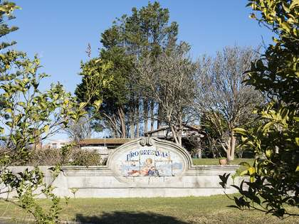 906m² Haus / Villa zum Verkauf in Pontevedra, Galicia