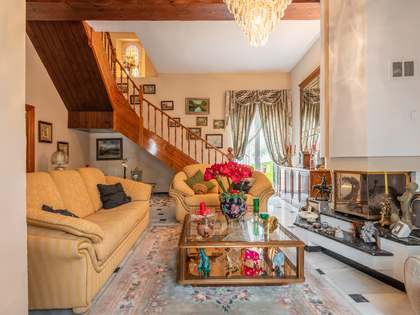 190m² Haus / Villa mit 25m² terrasse zum Verkauf in Centro / Malagueta