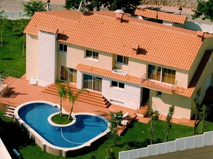 Villa for sale in Santa Barbara, Sitges
