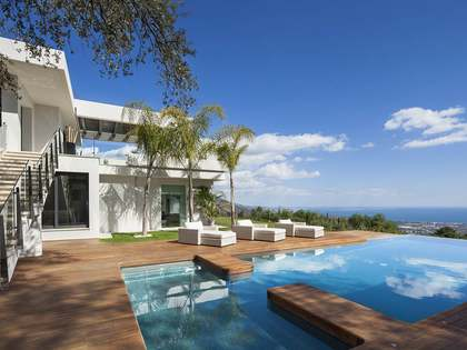 Modern 5 bedroom villa for sale in La Zagaleta, Marbella