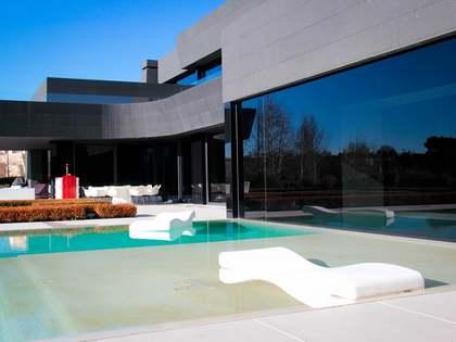 Villa de 7 dormitorios en venta en La Finca, Madrid