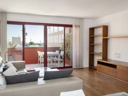 Piso con 20 m² de terraza en alquiler en Diagonal Mar