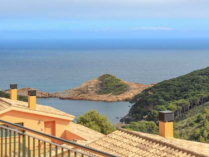 181m² villa for sale in Sa Tuna, Costa Brava