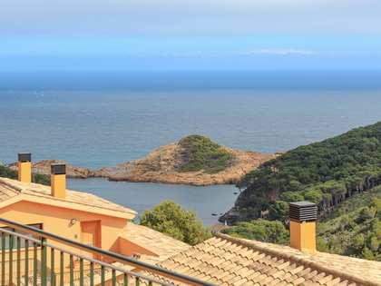 Huis / Villa van 181m² te koop met 112m² Tuin in Sa Riera / Sa Tuna