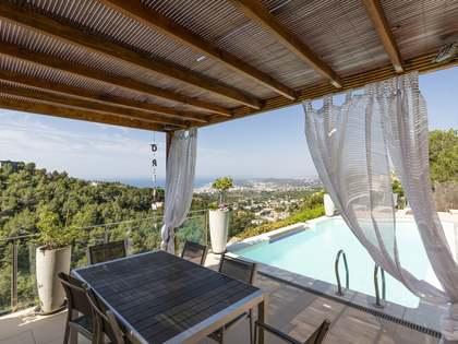 Huis / Villa van 270m² te koop in Levantina, Barcelona