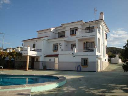337m² House / Villa for sale in East Málaga, Málaga