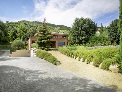 Elegant home for sale in Vallromanes, Spain