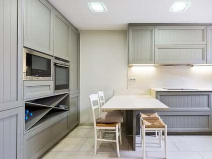 Casa / Vil·la de 248m² en venda a Sant Cugat, Barcelona