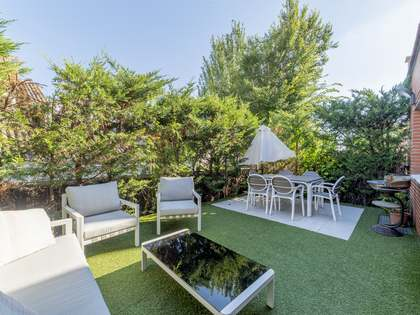 Casa de 278 m² con 50 m² de jardín en venta en Aravaca