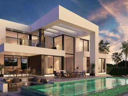 361m² house / villa for sale in East Málaga, Málaga