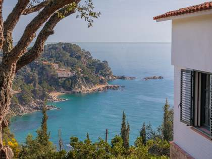 220m² House / Villa for sale in Lloret de Mar / Tossa de Mar