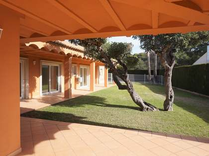 392 m² house with 450 m² garden for rent in Puzol