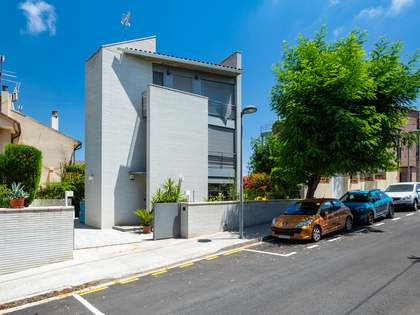 Huis / Villa van 239m² te koop in Tiana, Barcelona