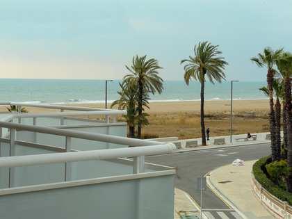 Appartement van 90m² te koop met 25m² terras in Castelldefels