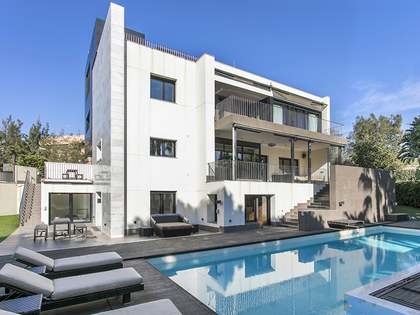 Modern villa to buy in Ciudad Diagonal, Esplugues, Barcelona