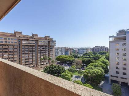 151m² Apartment with 10m² terrace for sale in Ciudad de las Ciencias